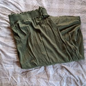 Terra and Sky Army Green Cropped Linen style Pant